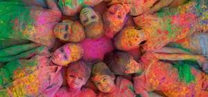 出典:http://www.skymetweather.com/content/lifestyle-and-culture/10-unique-shades-of-holi-in-india/
