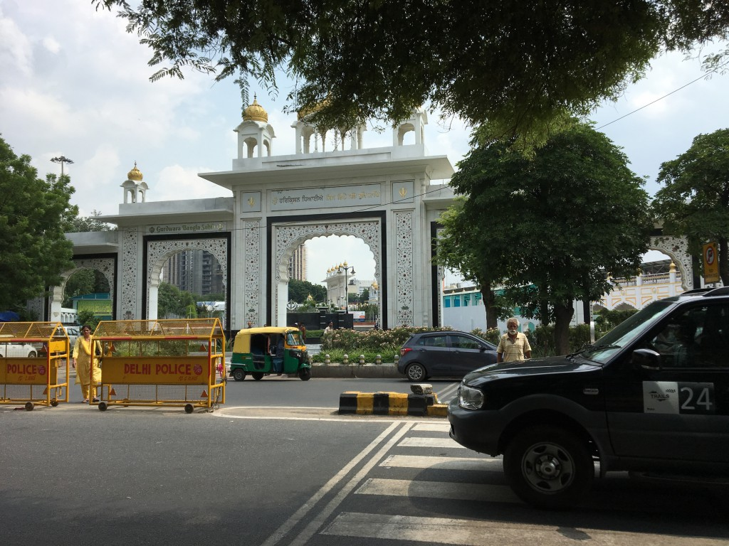 コンノートプレイス シク教 寺院