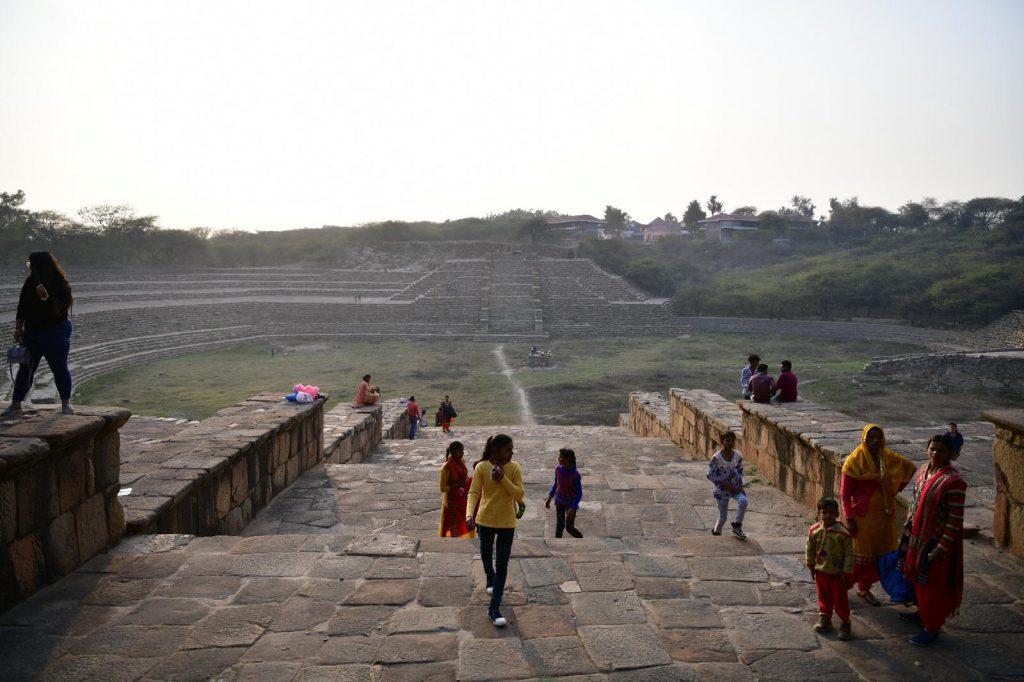 インド スーラジクンド 溜池